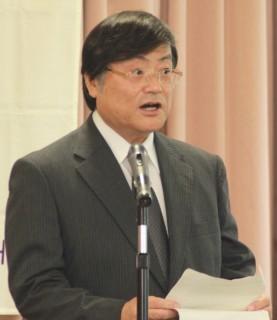 式辞を述べる島田学長