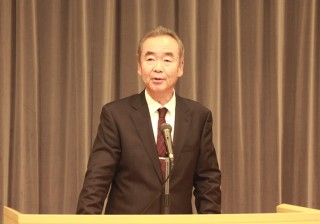 挨拶する早川 正幸理事・副学長