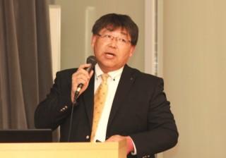 講演する古屋 浩昭氏