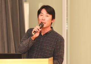 講演する小山田 幸紀氏