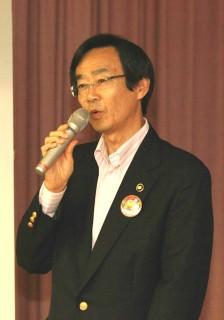 挨拶する内藤韮崎市長