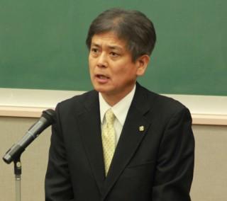 祝辞を述べる吉原県福祉保健部長