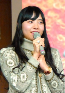 学生を代表して挨拶する樋泉舞子さん