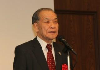 代表して挨拶する金丸 県商工会議所連合会会長