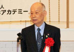 講演する大村 同名誉会長
