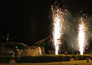 噴水前での打ち上げ花火