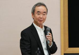 挨拶する早川正幸理事・副学長