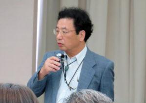 挨拶する堀 哲夫理事・副学長