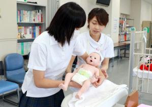 体験コーナー(小児看護)