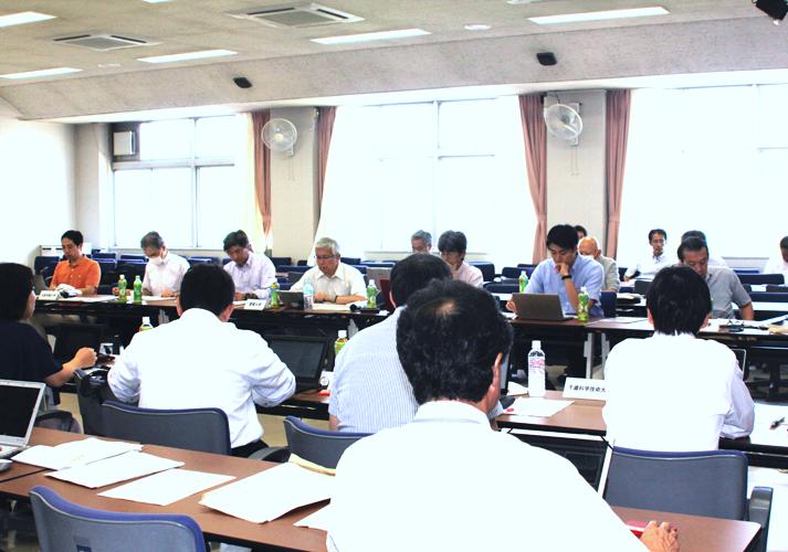 8大学連携による質の高い教育プログラム展開を協議