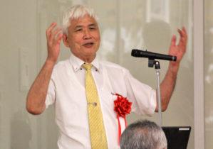 講演する橋本教授