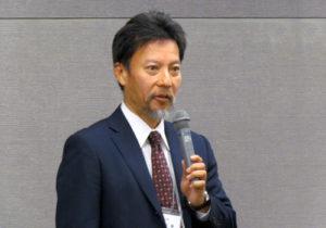 講演する奥田センター長